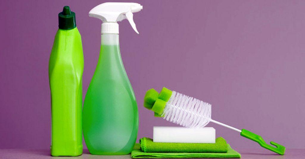 Evitar peligros al emplear cualquier tipo de productos de limpieza