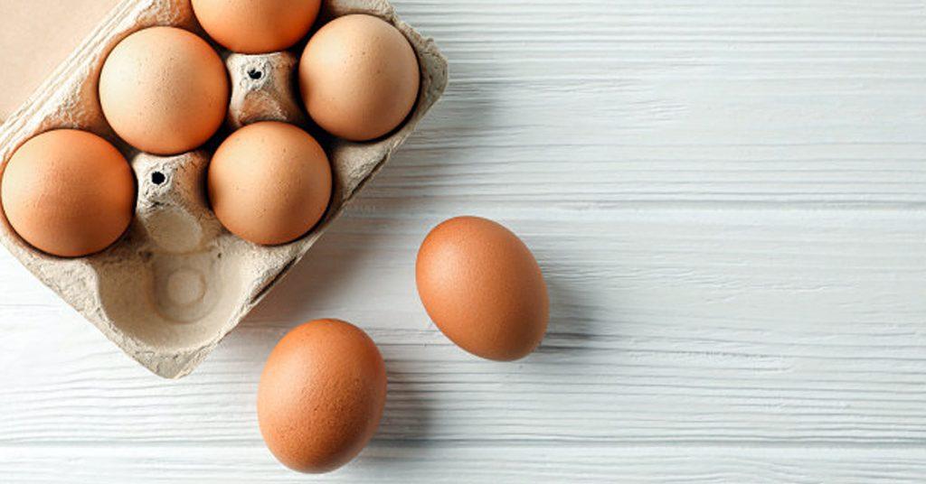 Huevo con sobrasada cocido al horno en cazuelitas individuales