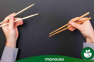 Come usare le bacchette per mostrare il tuo sushi