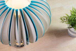 Decorare lampade con piatti di carta